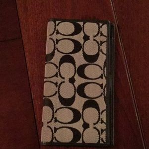 Coach Checkbook Cover / never used like new
